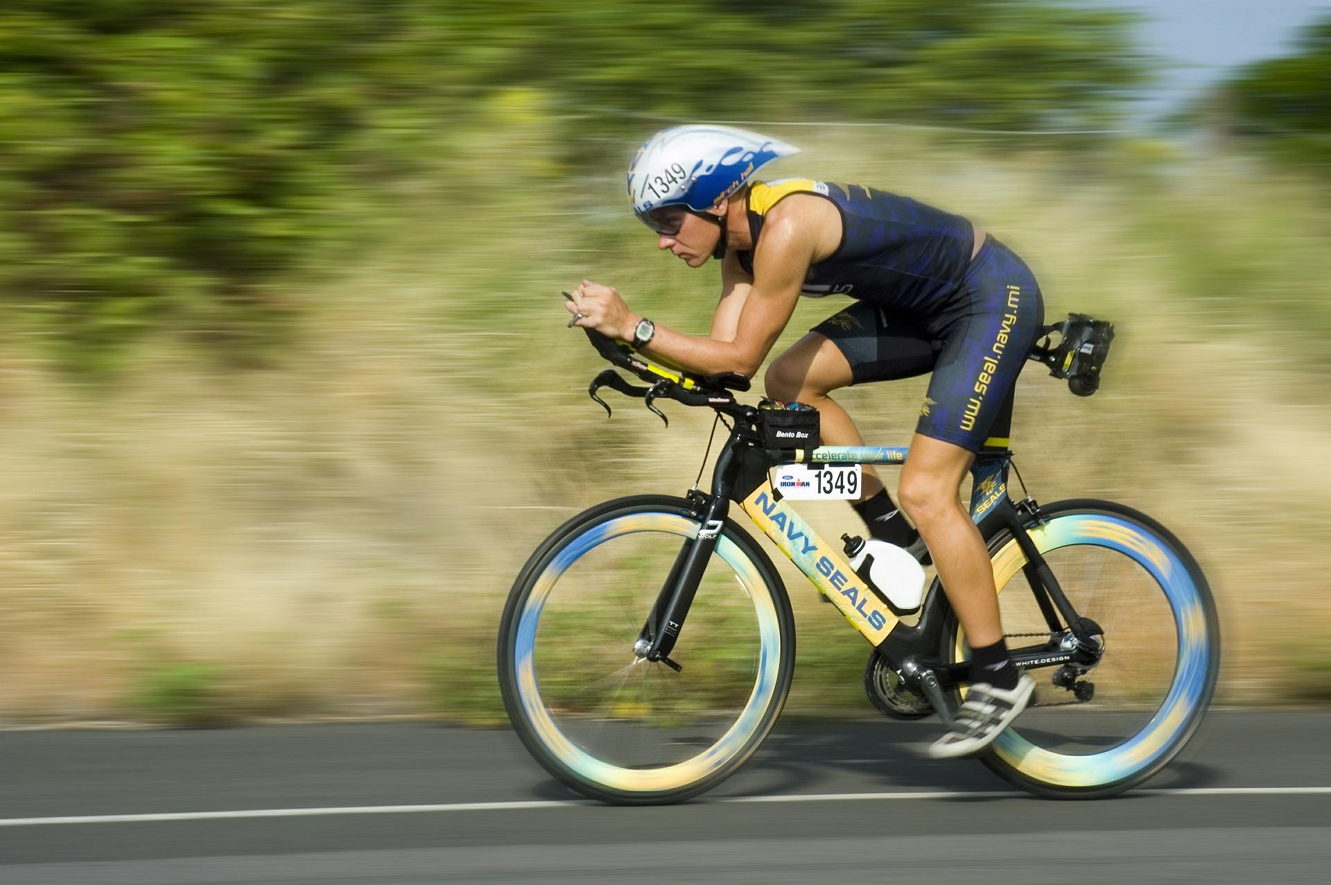 Triathlet am Rad